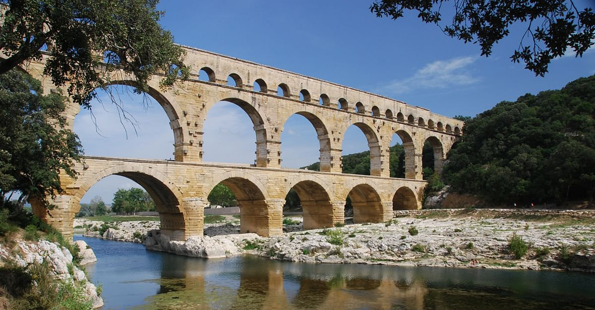 The Roman Aqueduct of Pont du Gard (Illustration) - Ancient ...
