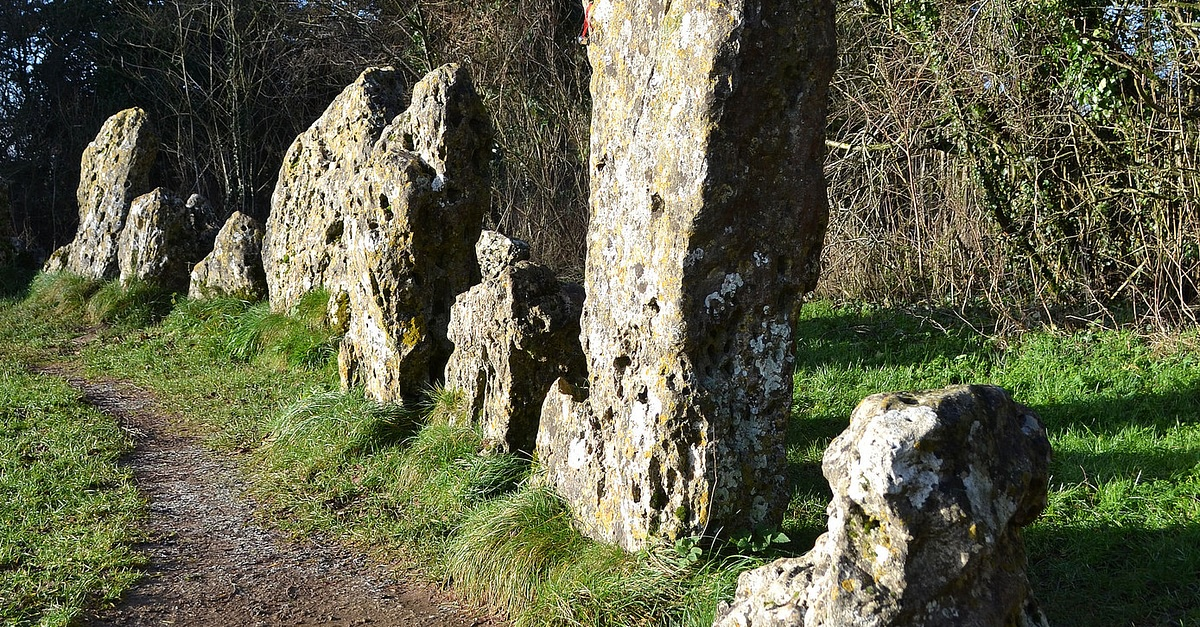 Rollright Stones, Oxfordshire, England | Slow Europe |Rollright Stones Oxfordshire