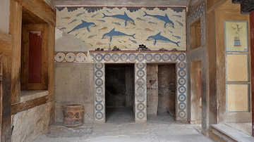 Queen's Megaron of the Palace of Knossos