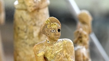 Female Worshiper from Tell Asmar Hoard at the Iraq Museum