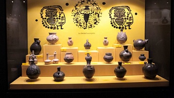 Display of Pre-Inca Pots