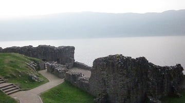Monsters & Heroes of Scotland: Urquhart Castle on Loch Ness
