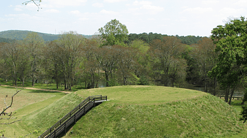 Ten Great Native American Mound Sites
