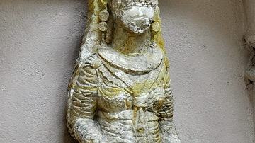 Statue of a Sitting Woman from Hatra