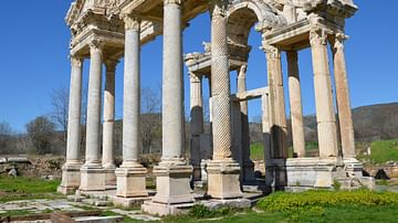 The Tetrapylon of Aphrodisias