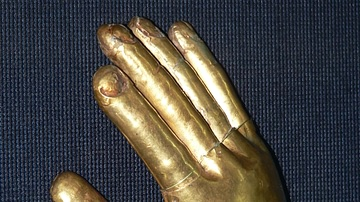 Lambayeque Gold Glove