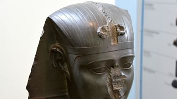 Head of King Nectanebo I or II