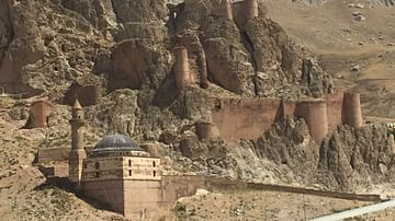 Urartian Fortress & Tomb