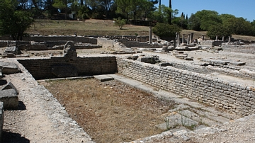Swimming pool, Glanum