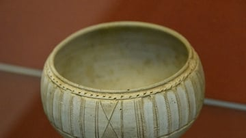 Ninevite V Incised Cup