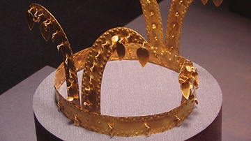 Gold Gaya Crown