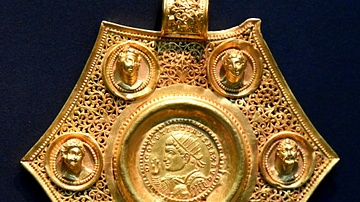 Gold Coin Pendant of Constantine