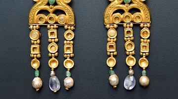 Byzantine Gold Earrings from Egypt
