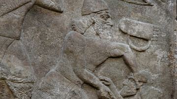 Assyrian Soldier Kills His Enemy