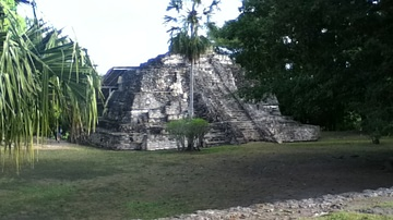 Temple of Las Vasijas at Chacchoben