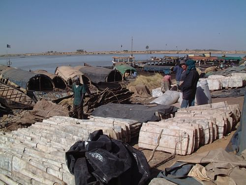 Transporting Salt on the Niger River