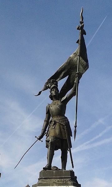 Joan of Arc Statue, Beaugency (by Mark Cartwright, CC BY-NC-SA)
