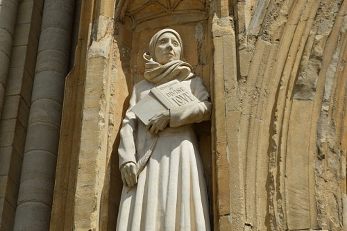 Statue of Julian of Norwich (by Matt Brown, CC BY)