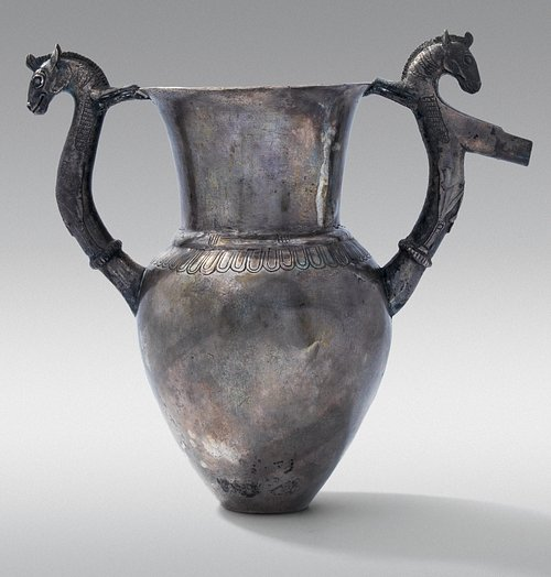 Amphora-Rhyton with Zoomorphic Handles, Vassil Bojkov Collection