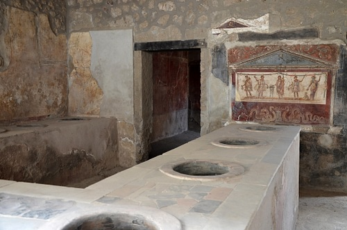 The Thermopolium of Vetutius Placidus in Pompeii