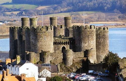 Conwy Castle, Wales (by David Dixon, CC BY-SA)