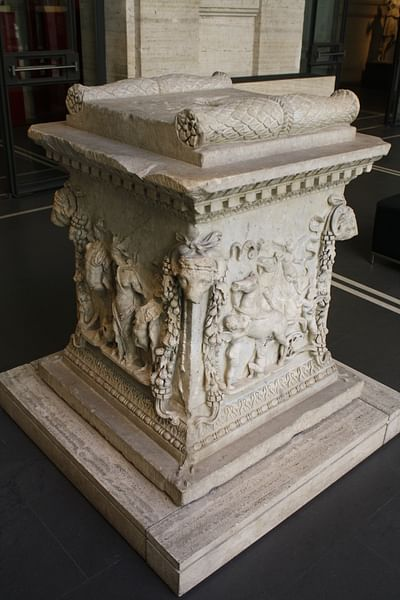 Roman Sacrificial Altar (by Mark Cartwright, CC BY-NC-SA)