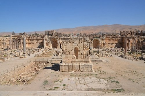 Baalbek, Great Courtyard