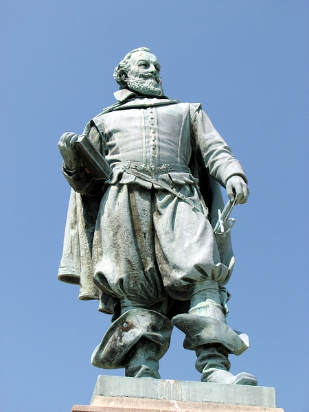 Statue of Captain John Smith (by rmanoske, CC BY-NC-ND)