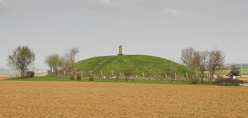 Reconstruction of the Celtic Hochdorf Burial Mound