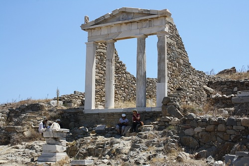 Temple of Isis, Delos