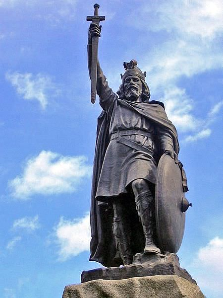 Alfred the Great Statue, Winchester (by Odejea, CC BY-NC-SA)