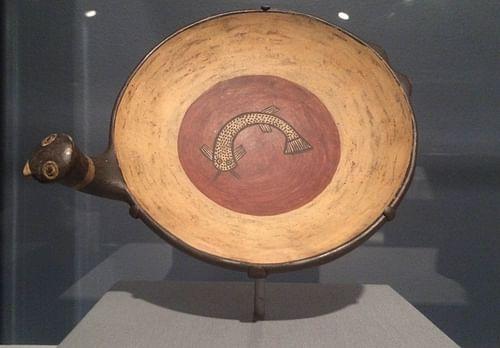 Plato Inca con mango de pájaro