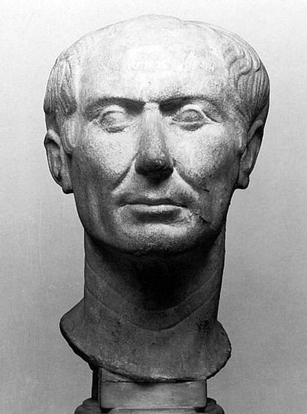 Bust of Julius Caesar (by Tataryn77, CC BY-SA)