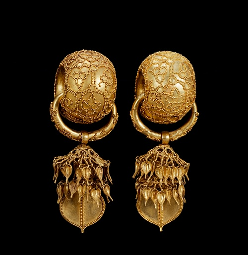 Gold Earring Ornaments At the Bomundong Double Burial in Gyeongju and the ones in Geumjochong Tomb in Yangsan excavation Silla the Golden Kingdom of Korea