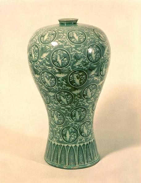 Korean Celadon Maebyeong (by Korea History, CC BY-SA)