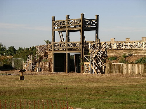 Roman Fort, Lunt (by Snowmanradio, CC BY-SA)