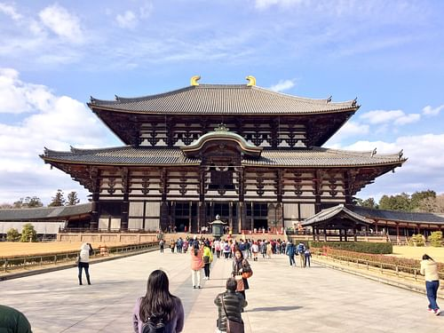 Daibutsuden, Todaiji (by James Blake Wiener)