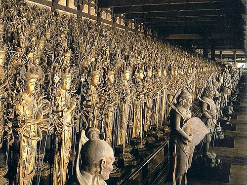 1000 Kannon Statues, Sanjusangendo (by Christophe, CC BY-NC-ND)