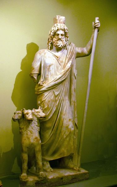 Statue of Hades and Cerberus (by Aviad Bublil, CC BY-SA)