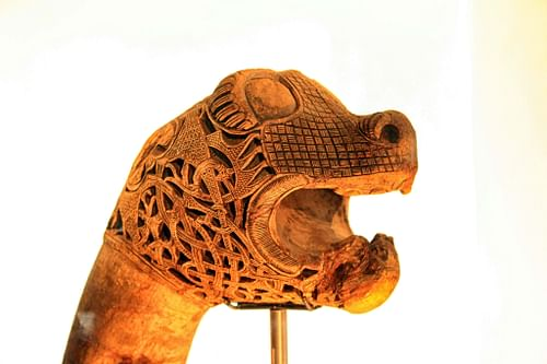 Oseberg Animal Head (by Mike Fay, CC BY)