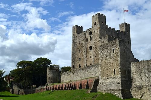 Rochester Castle (by Michael Kooiman, CC BY-SA)