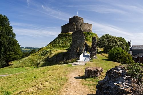 Launceston Castle (by Mike Searle, CC BY-SA)