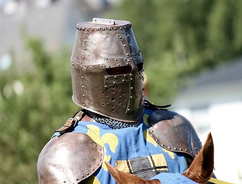 The Armour of an English Medieval Knight - Ancient History