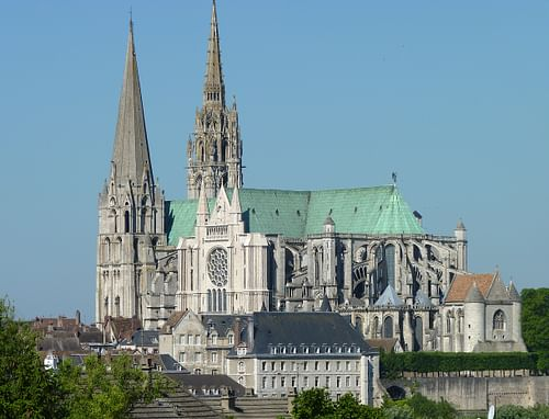 Chartres Cathedral (by Olvr, CC BY-SA)