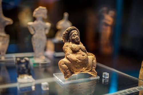 Roman Voluptuous Naked Figurine