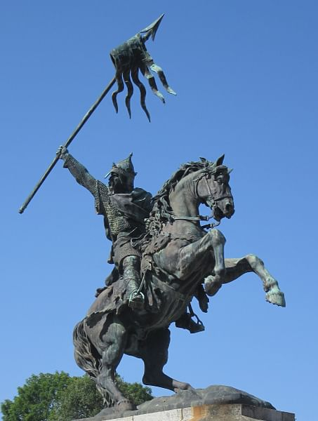 Statue of William the Conqueror (by Man vyi)