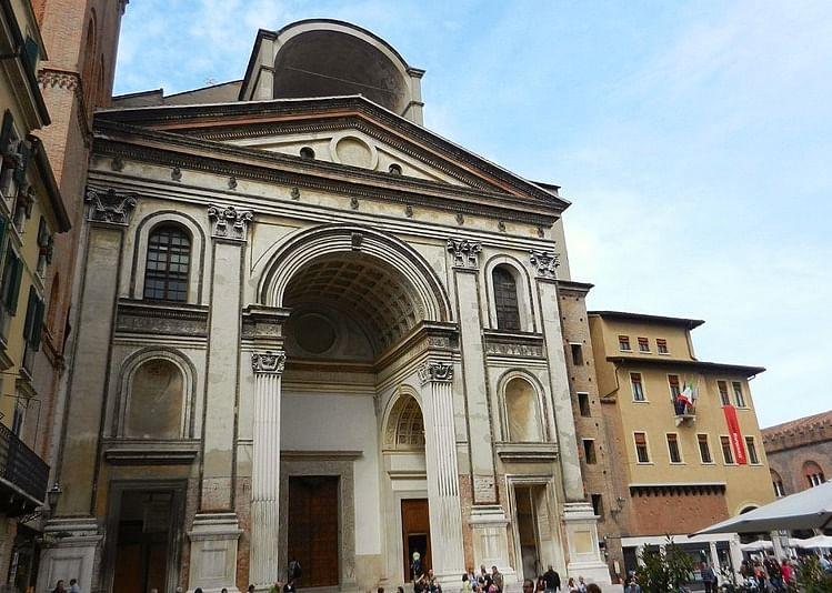 Facade of Basilica of S. Andrea, Mantua by Alberti