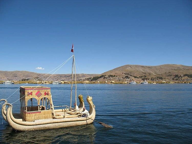 Jangada de Reed Tradicional, Lago Titicaca (ProjectManhattan)