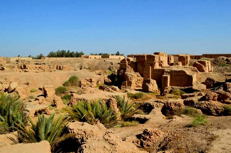 Ruins Of The North Palace Of Nebuchadnezzar II , Babylon ...
