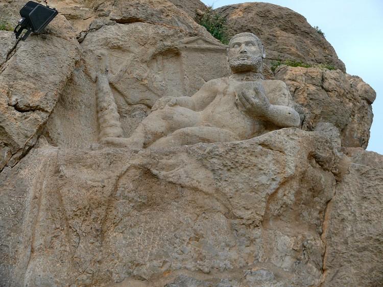 Hercules and Aramaic Inscription from Behistoun (dynamosquito)